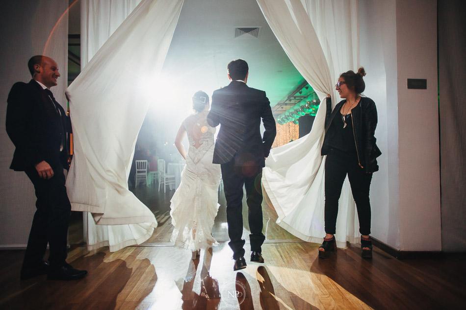 020-yacht-club-puerto-madero-buenos-aires-casamiento-fotoperiodismo-de-bodas-norman-parunov-039
