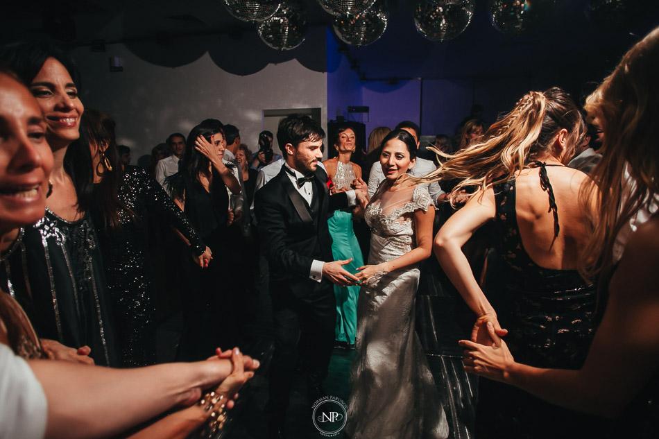 020-yacht-club-puerto-madero-buenos-aires-casamiento-fotoperiodismo-de-bodas-norman-parunov-052