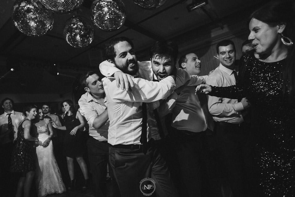 020-yacht-club-puerto-madero-buenos-aires-casamiento-fotoperiodismo-de-bodas-norman-parunov-054