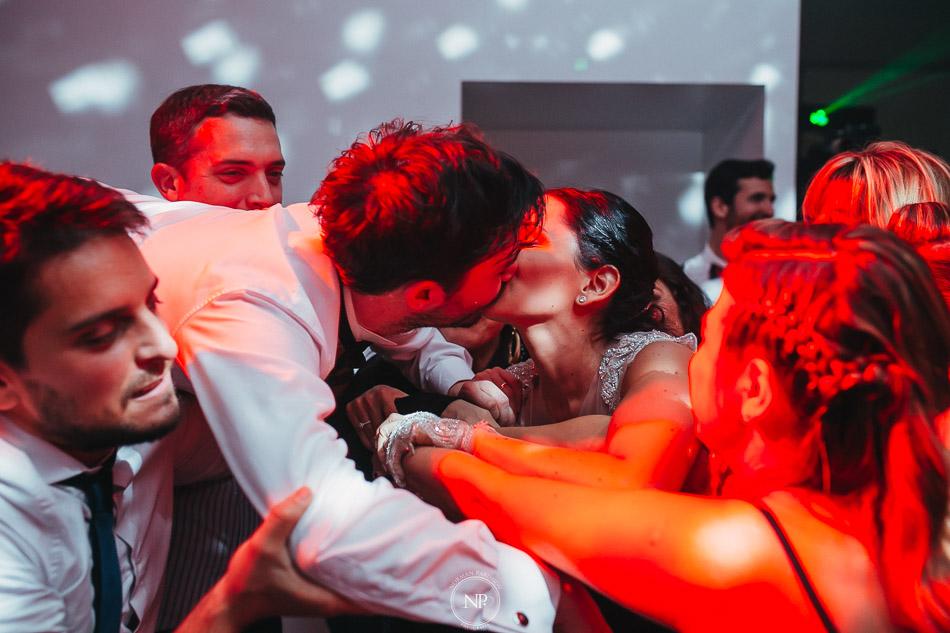 020-yacht-club-puerto-madero-buenos-aires-casamiento-fotoperiodismo-de-bodas-norman-parunov-056