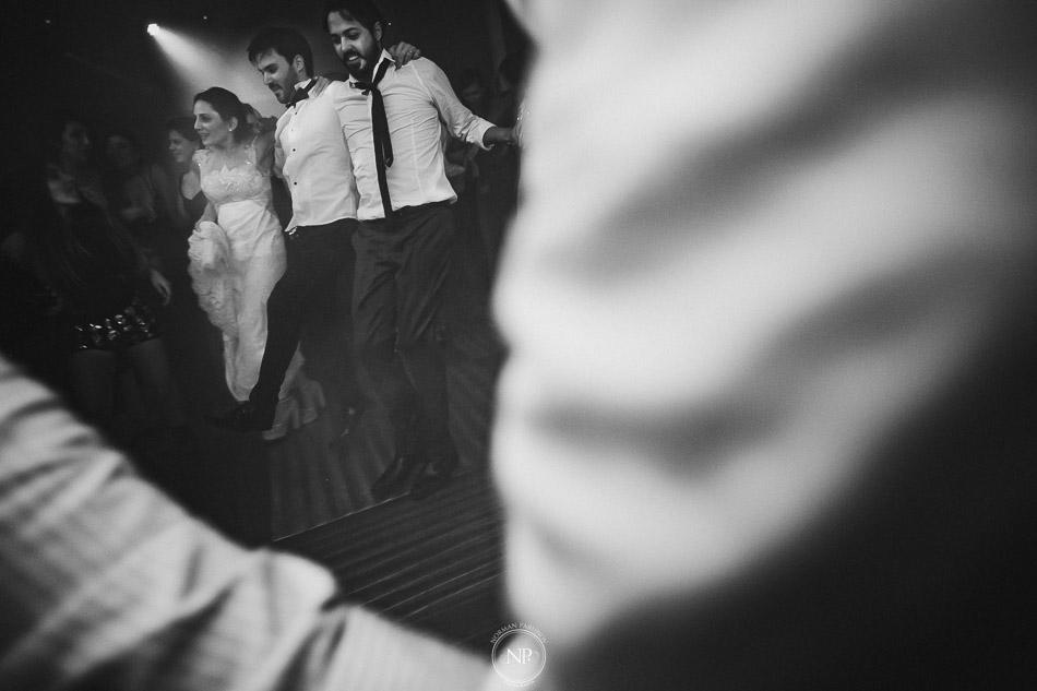 020-yacht-club-puerto-madero-buenos-aires-casamiento-fotoperiodismo-de-bodas-norman-parunov-070