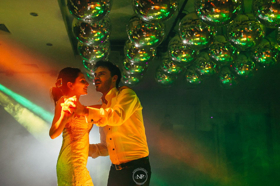 020-yacht-club-puerto-madero-buenos-aires-casamiento-fotoperiodismo-de-bodas-norman-parunov-073