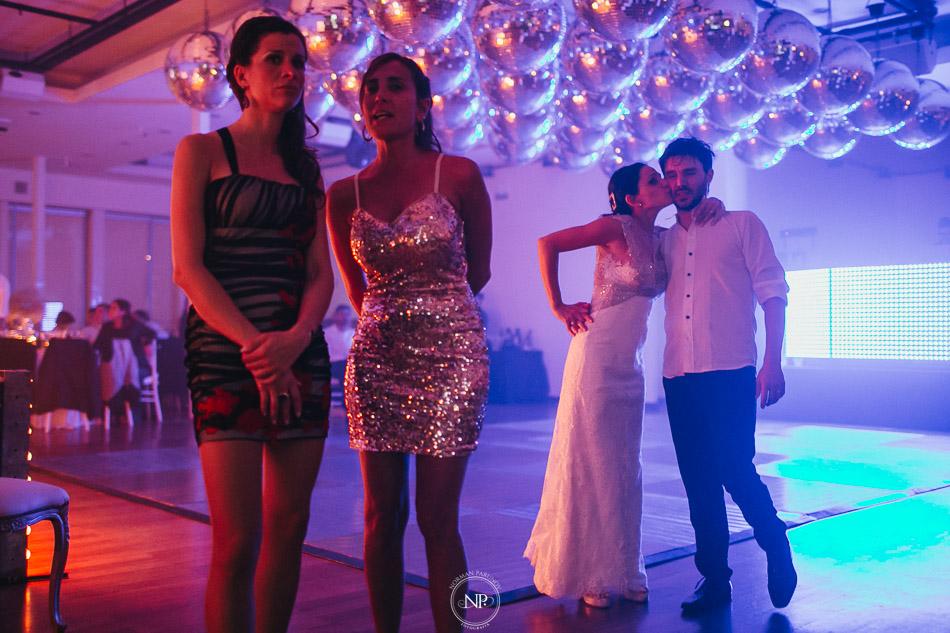 020-yacht-club-puerto-madero-buenos-aires-casamiento-fotoperiodismo-de-bodas-norman-parunov-081