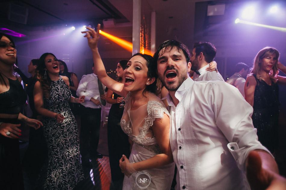 020-yacht-club-puerto-madero-buenos-aires-casamiento-fotoperiodismo-de-bodas-norman-parunov-090