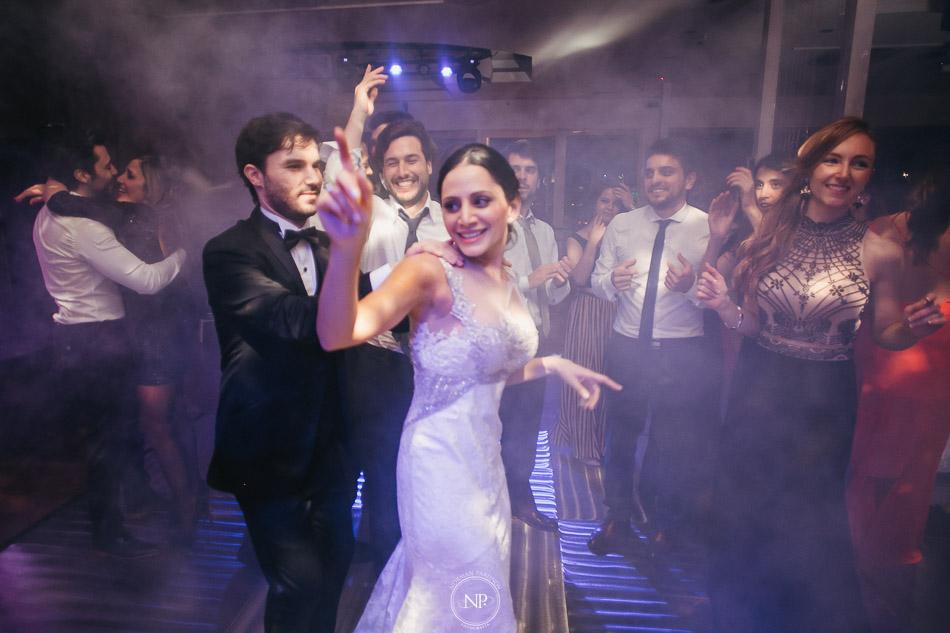 020-yacht-club-puerto-madero-buenos-aires-casamiento-fotoperiodismo-de-bodas-norman-parunov-041