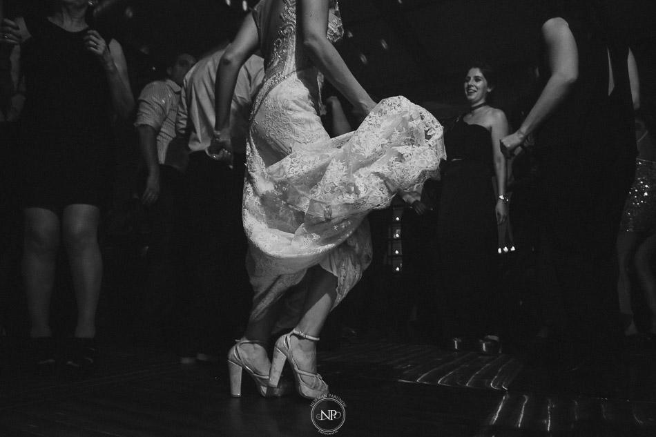020-yacht-club-puerto-madero-buenos-aires-casamiento-fotoperiodismo-de-bodas-norman-parunov-057