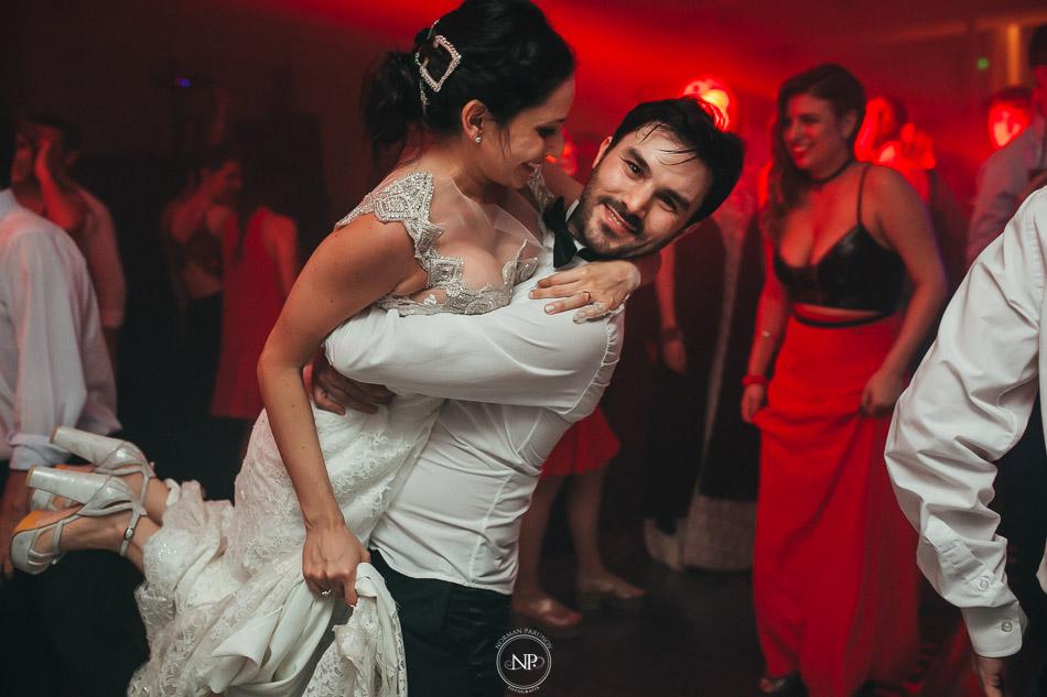 020-yacht-club-puerto-madero-buenos-aires-casamiento-fotoperiodismo-de-bodas-norman-parunov-069