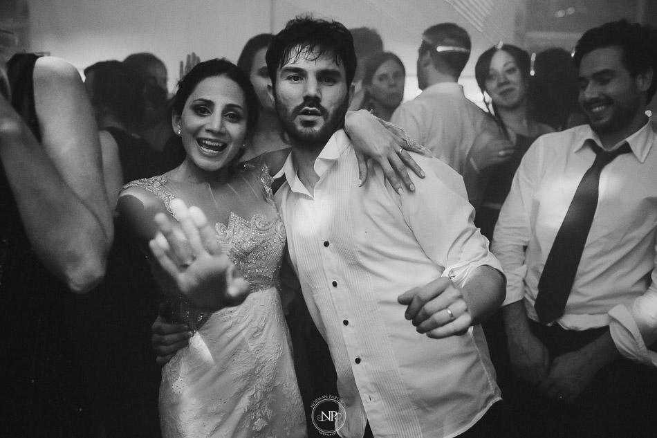 020-yacht-club-puerto-madero-buenos-aires-casamiento-fotoperiodismo-de-bodas-norman-parunov-088