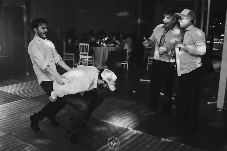 020-yacht-club-puerto-madero-buenos-aires-casamiento-fotoperiodismo-de-bodas-norman-parunov-106
