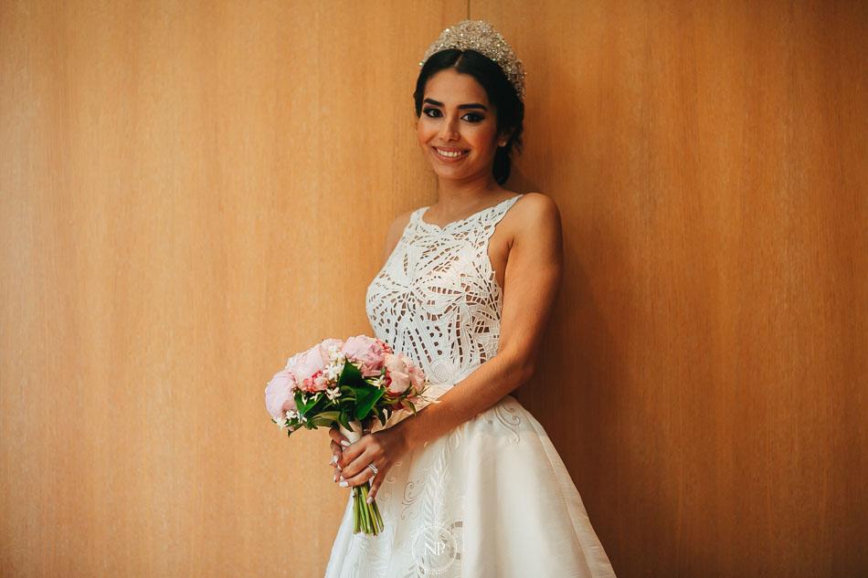 Retrato de novia, vestido de novia, casamiento en Palacio Duhau Park Hyatt Bs As, fotoperiodismo de bodas, Norman Parunov