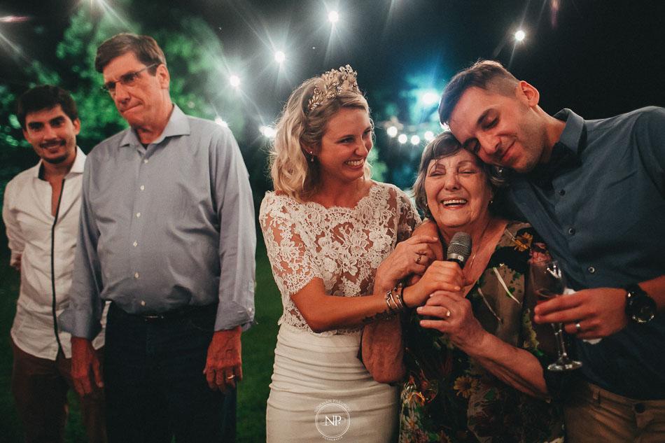 brindis, casamiento al atardecer en Estancia La Linda, fotoperiodismo de bodas, Norman Parunov