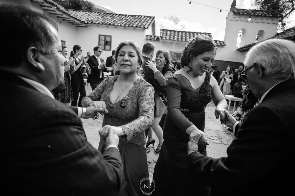 Destination wedding en Hacienda Canopata, Arrecife catering, Cusco Perú, fotoperiodismo de bodas, Norman Parunov