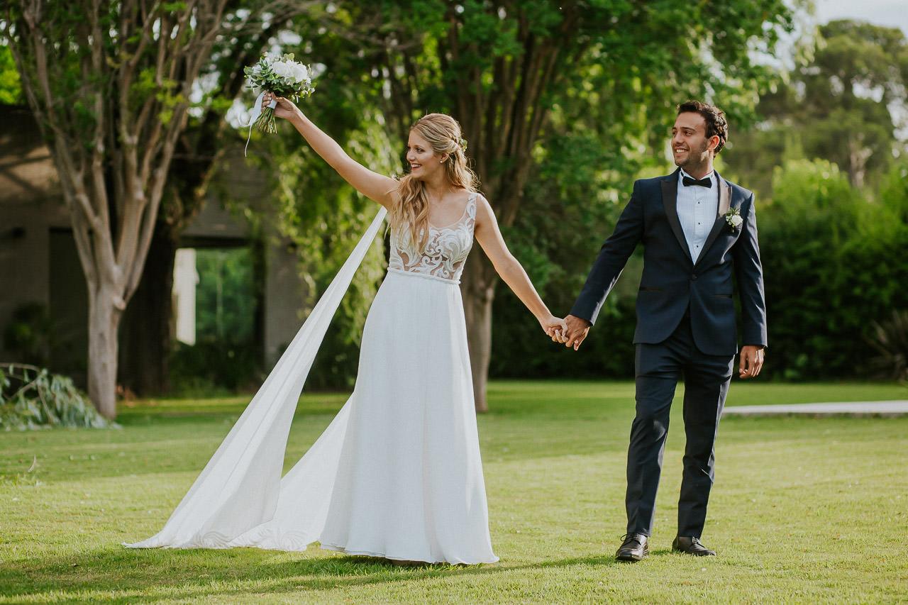 vestido de novia, flor pierro, casamiento al atardeder en Espacio Pilar, fotoperiodismo de bodas, Norman Parunov
