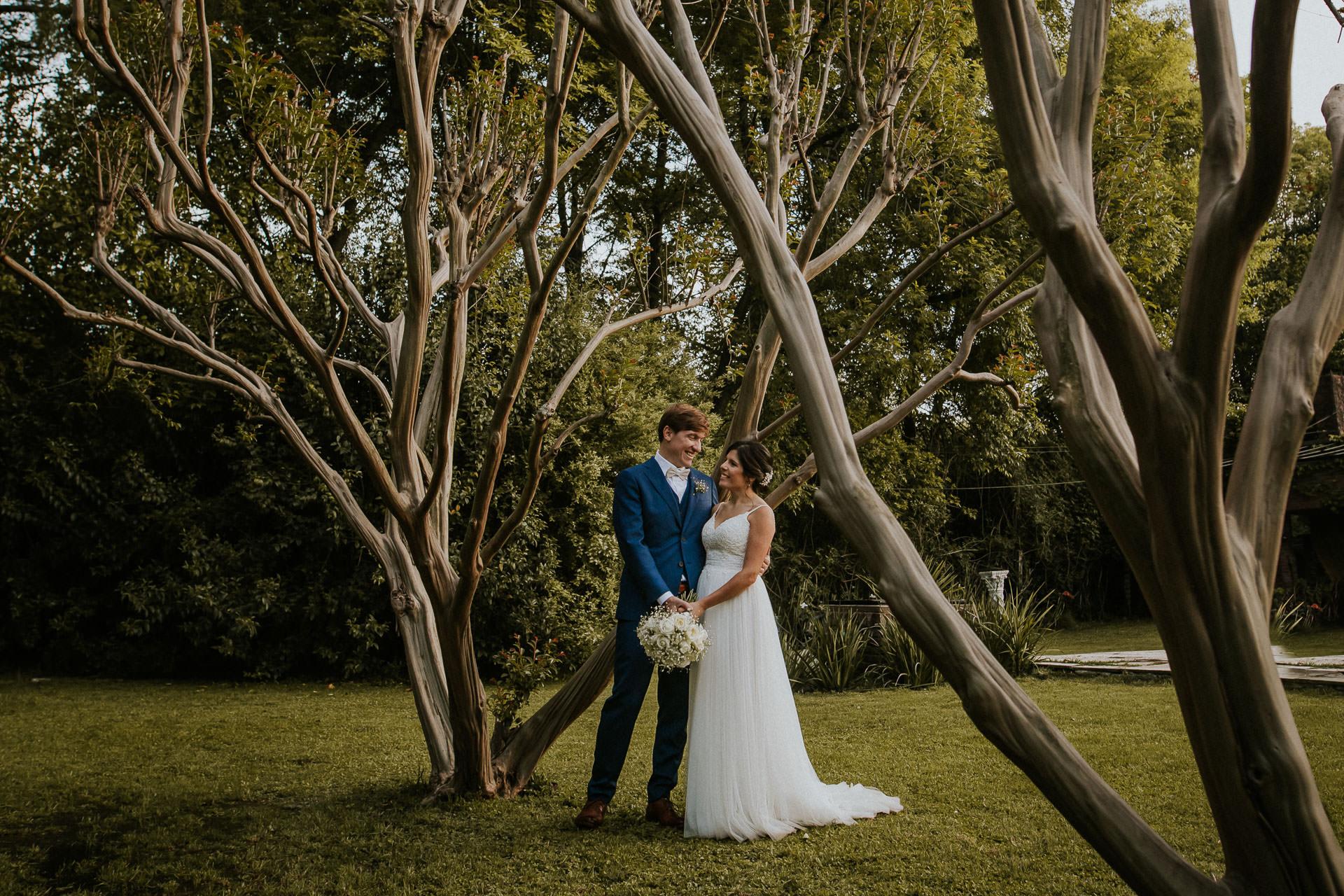 Retratos de novios, Boda en Estancia La Linda, fotógrafo de bodas, Norman Parunov