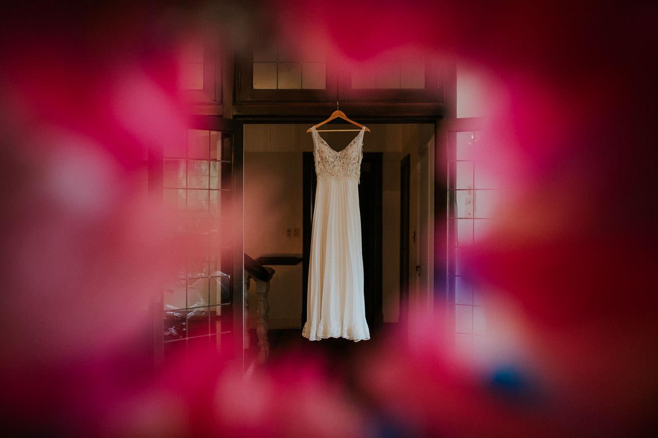 Vestido de novias, boda en Estancia Santa Elena, fotógrafo de casamientos, Norman Parunov