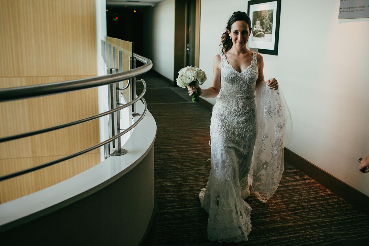Boda en Astilleros Milberg, getting ready, vestido de novia,casamiento, fotoperiodismo de bodas, Norman Parunov