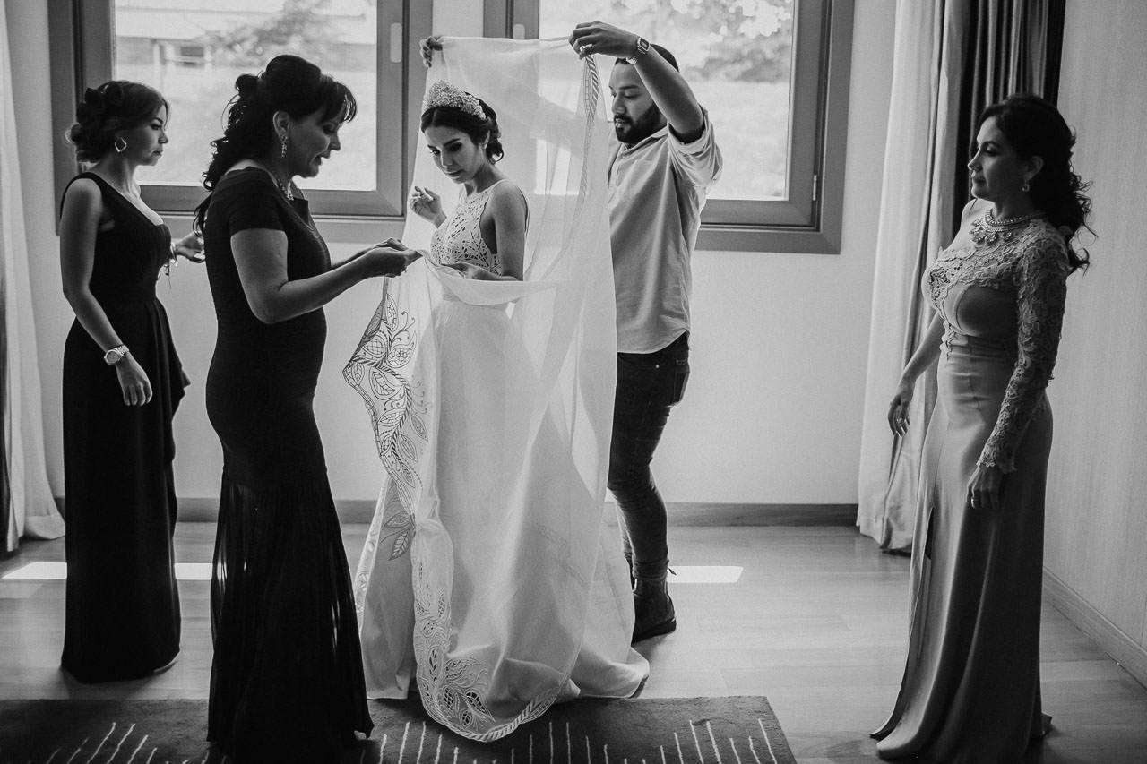 Vestido de novia, boda en el palacio duhau, fotógrafo de bodas, Norman Parunov
