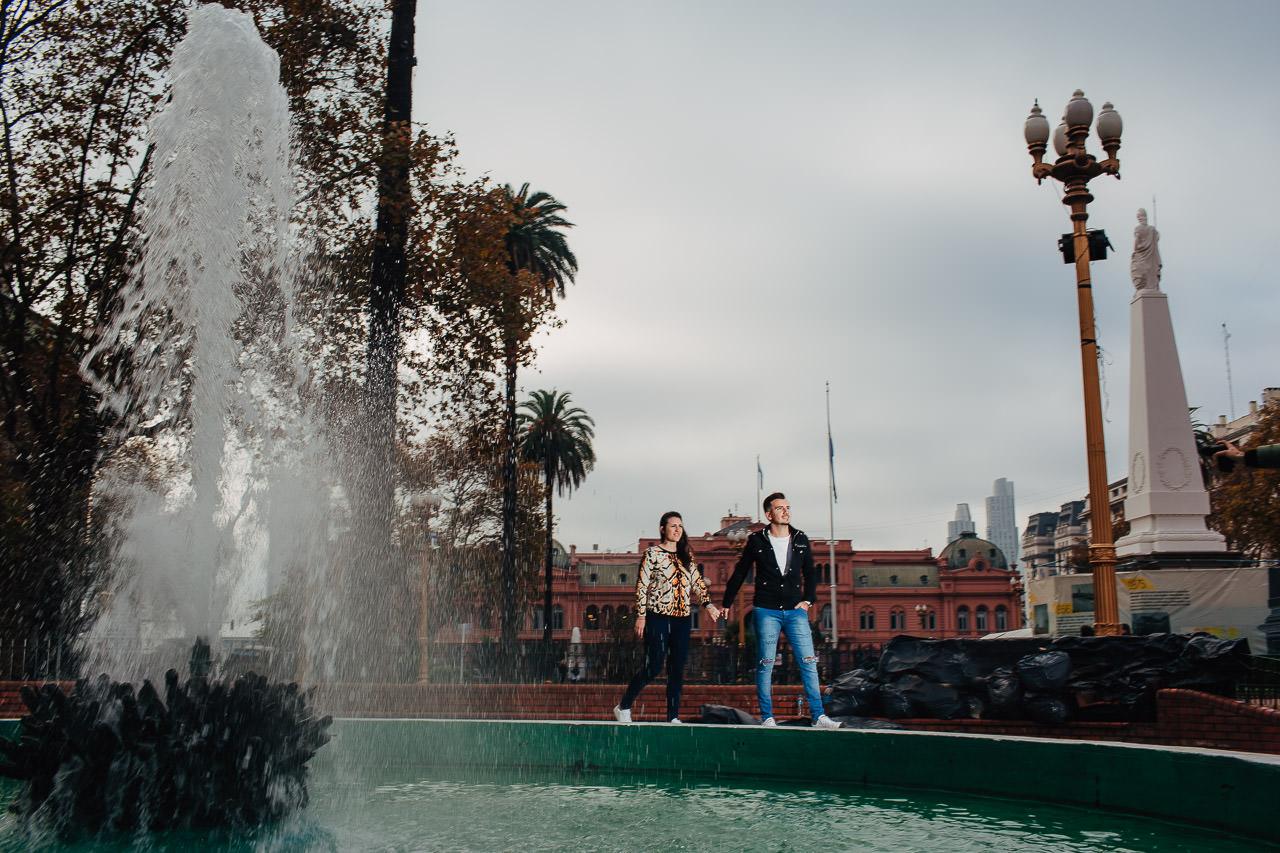 Preboda en Buenos Aires, plaza de mayo, fotógrafo de bodas, Norman Parunov